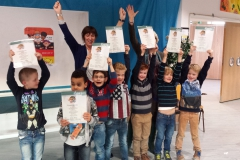 Kleine Kanjers in Hoofddorp zijn superblij met hun diploma's !